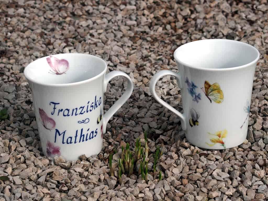 Namenstasse eleganter Becher Emma aus Porzellan für Verliebte mit Bienchen und Blümchen und zwei Namen