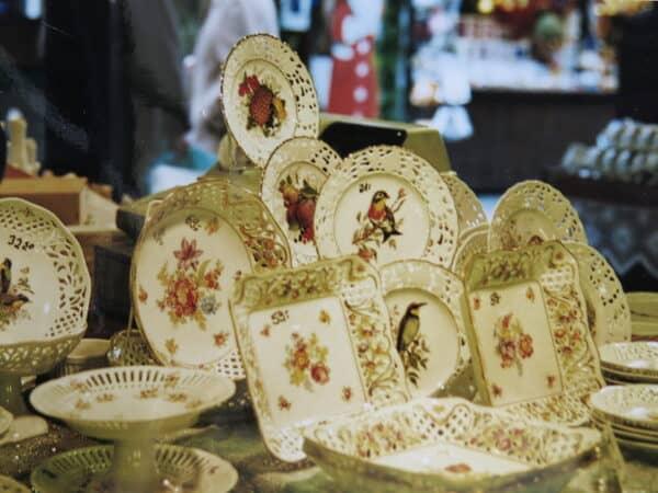 Porzellanstand Stuttgarter Weihnachtsmarkt DurchbruchporzellanPlanie 90iger Jahre