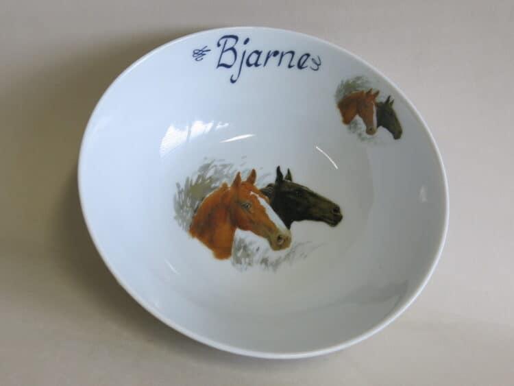 Personalisierte Porzellan Schale Ole 17 cm mit Pferden Brauner und Rappe