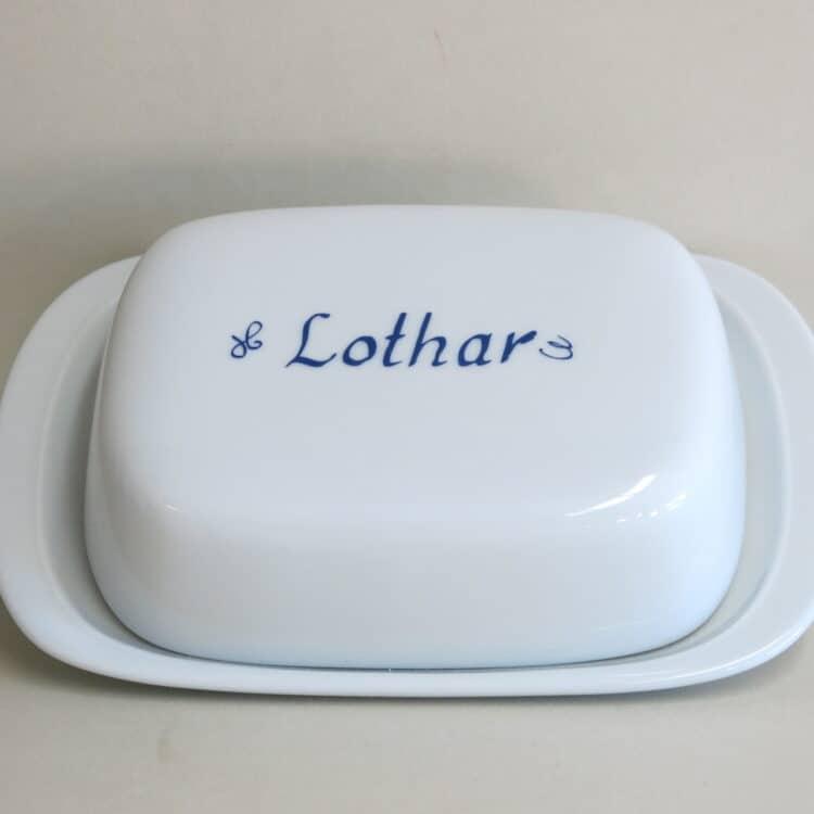 Weiße Butterdose aus Porzellan mit Namen