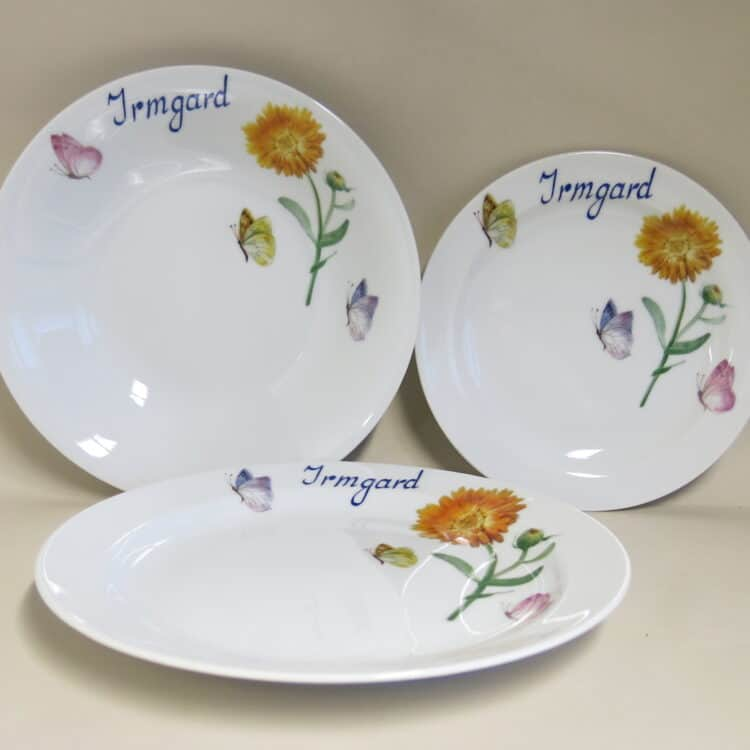 Essteller und Frühstücksteller Ringelblume mit Schmetterlingen und Namen