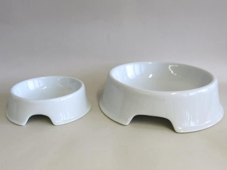 Hundenäpfe aus weißem Porzellan beide Größen