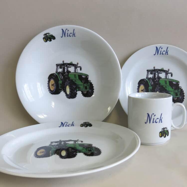 Set Essteller grüner Traktor mit Becher Lukas personalisiert