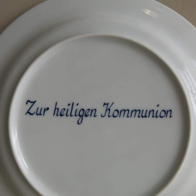 Widmungen auf Porzellan zur heiligen Kommunion