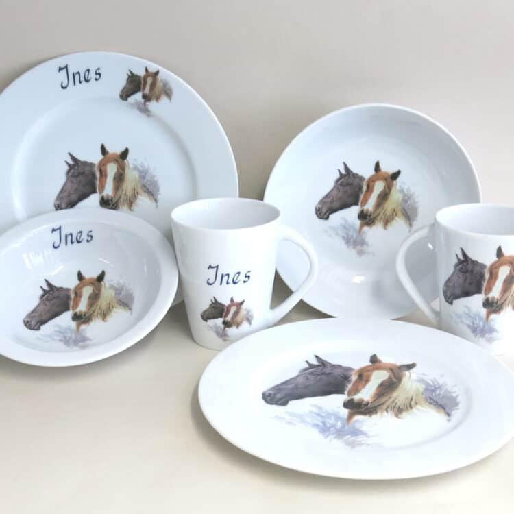 Frühstücksgeschirr mit Pferden