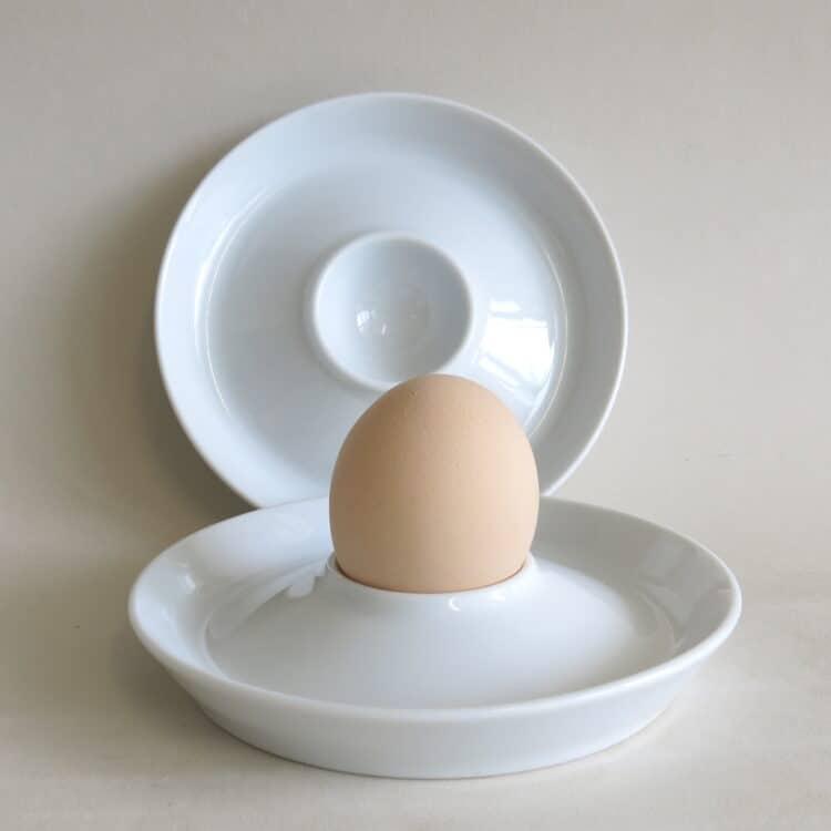Eierbecher Trapo weiß flach mit Ei