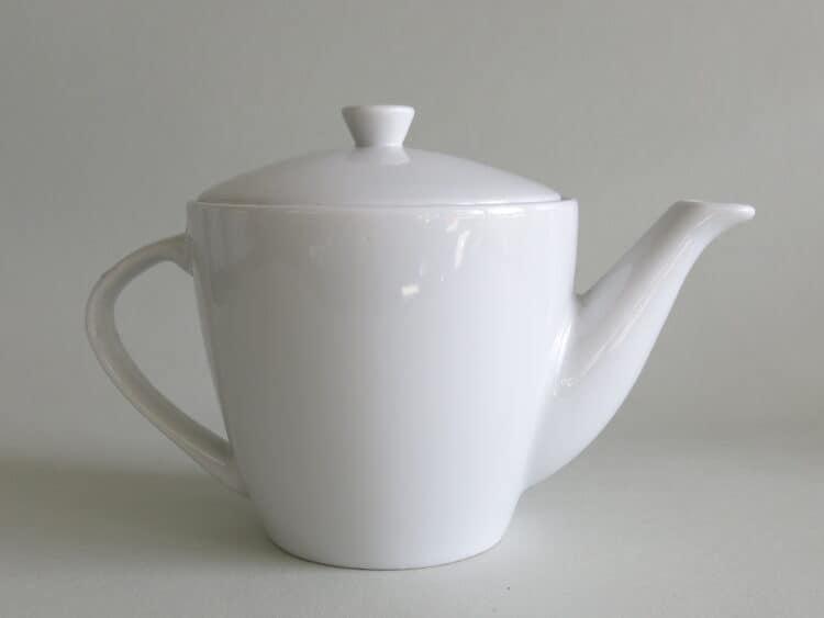 Weiße Porzellan Teekanne Jakub 400 ml